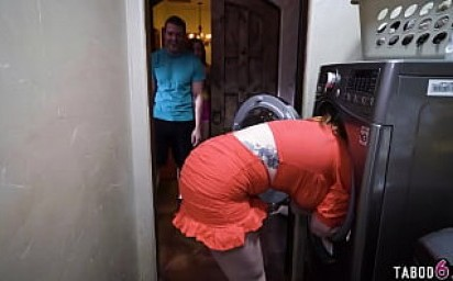 Stepsister and stepson find mom being stuck in the dryer and play a game