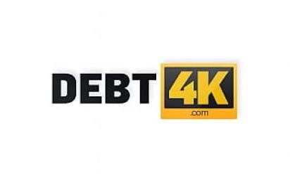 DEBT4k. Schuldeneintreiber fickt die Braut im weißen Kleid und in Strümpfen