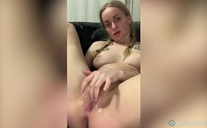 EXCITED BIG WET PUSSY NEEDS FUCKING