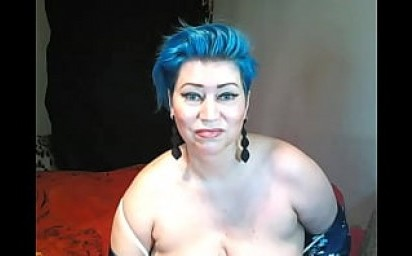 Fuck my bluehaired mature miracle for the delight of people! Drive your horny slut to madness and she will be happy!