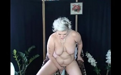 My mature slutwife Aimee & extreme insertions .!.