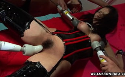 Eri Kitahara is moaning while getting to cum